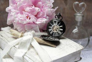 books-2385398_1280